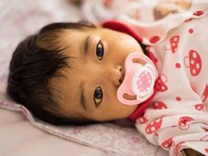 父母抛弃患病女婴 女婴母亲:你们看着办不
