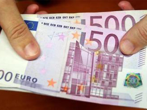 多处马桶被丢欧元 巨额现金被剪碎丢掉背后原因究竟为何