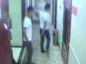 男子约15岁女网友开房 惨遭仙人跳损失近万元甚至被暴打