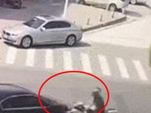 浙江温州两车相撞 相撞瞬间摩托车碎成渣逆