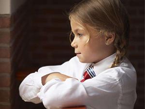1人独享整座学校 学生纷纷转学现今只剩一女孩在上课