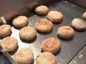 广西月饼界新网红众人围观 感受节日气氛又