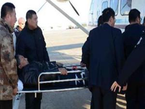 空中120急救骨折老人 为避节假日出行高峰采