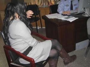 女子到派出所向警察求助 诉说完后遭拘留令