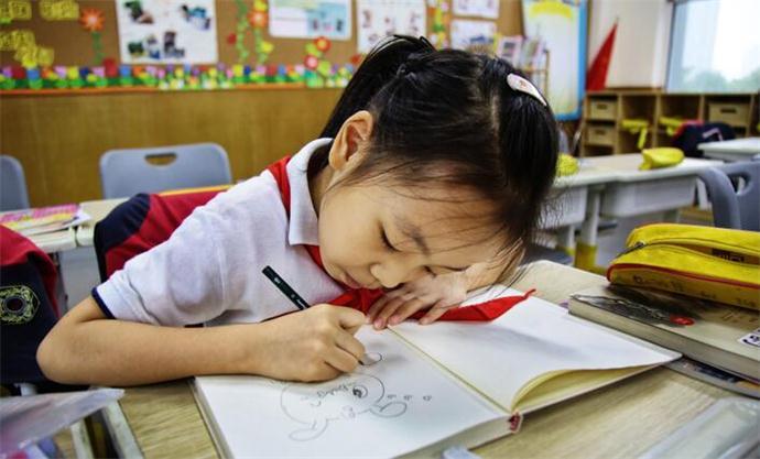 小学生手绘形象遭疯抢像漫画书漫画且具体网日记海贼王656图片
