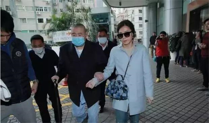 她37岁成香港女首富