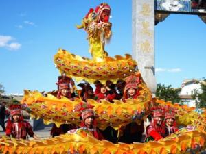浙江大学开设舞龙课 传统体育项目重新回到课堂上