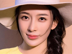 赵韩樱子的老公 被曝与彭冠英因戏生情并领