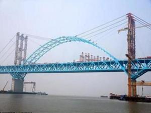 中国大桥合龙场面震撼 技术与工艺均创造多项记录