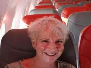 女子坐飞机成唯一乘客 所有的乘务只服务她一人