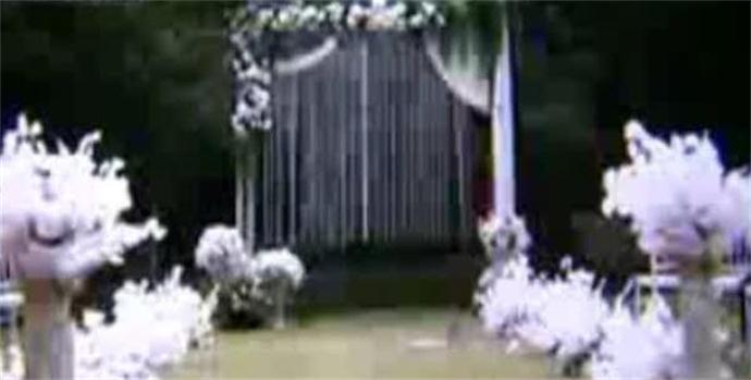 婚礼白色调新娘拒进场