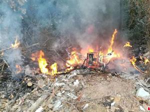10余辆共享单车被烧毁 同行冤家男子故意放火现场一片狼藉