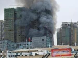 成都在建工地起火 事故起因竟然也那么显而易见