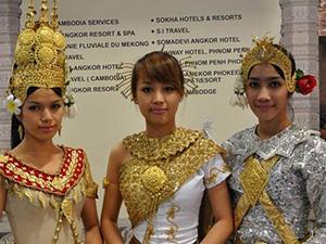 柬埔寨女人村没有一个男人 自给自足没有纷