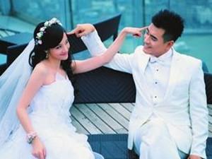 章龄之和陈龙结婚照 低调结婚生子引人羡慕