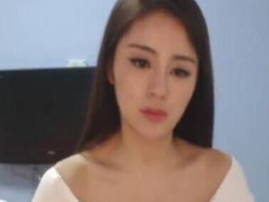 七哥张琪格48秒视频 穿着性感豪乳包裹不住欲出不出