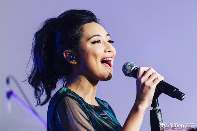 歌手张天开唱