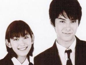 柏原崇一吻定情 出演植树是日本最少的美少年却惨遭封杀