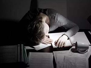 熬夜头疼吃什么缓解 4种食物让你重振雄风去颓靡之态