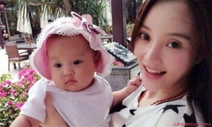 李小璐女儿不像父母