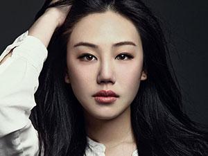 王姬27岁女儿近照曝光 透视纱裙现性感身材颜值惊艳众人