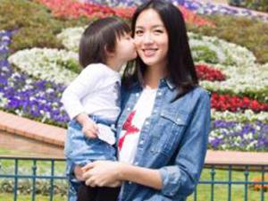 张梓琳携女庆生 人美肤白大长腿吸睛