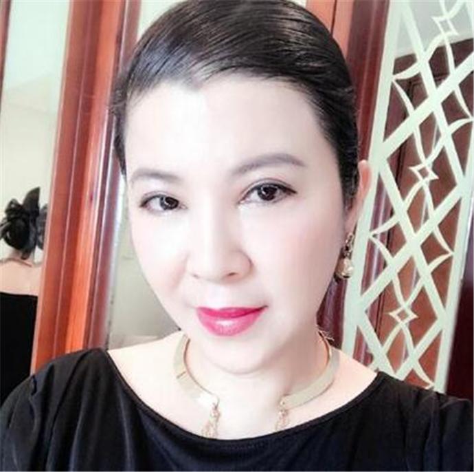 杭天琪近照曝光 杭天琪22岁女儿这么美且身材火辣