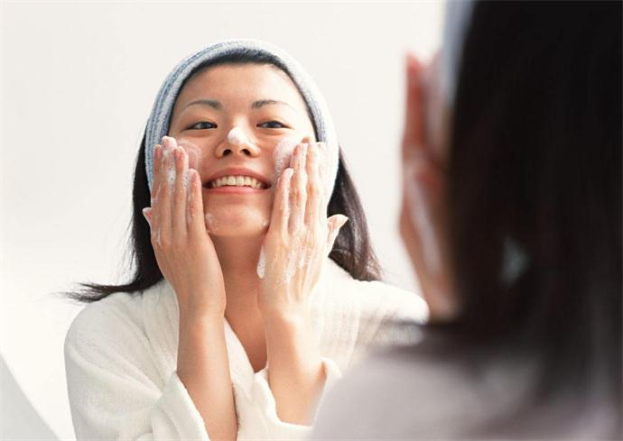 洗面奶洗脸的正确方法
