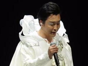 李玉刚演唱会舞台事故 未婚有女其女儿身份被揭竟是她
