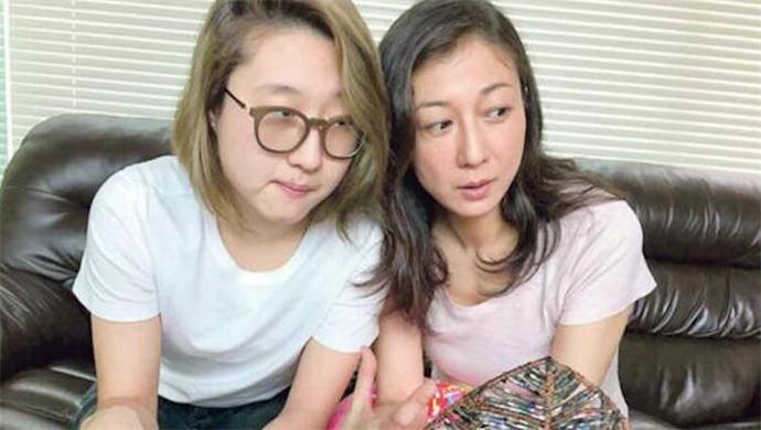 小龙女和妈妈吴绮莉