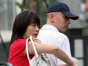 葛优罕见露面 与妻子贺聪结婚30年至今无子原因被揭