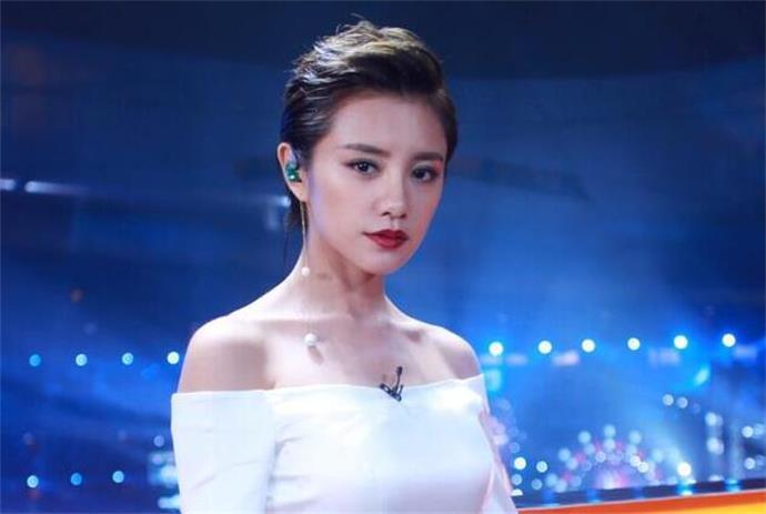 李荣浩为什么向伊一道歉