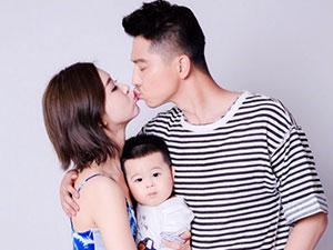 李小萌王雷甜蜜拥吻 1岁儿子成小灯泡其名字