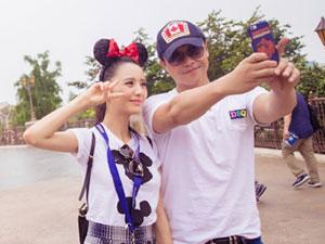 佟丽娅陈思诚同游 两次同游迪士尼一举动现