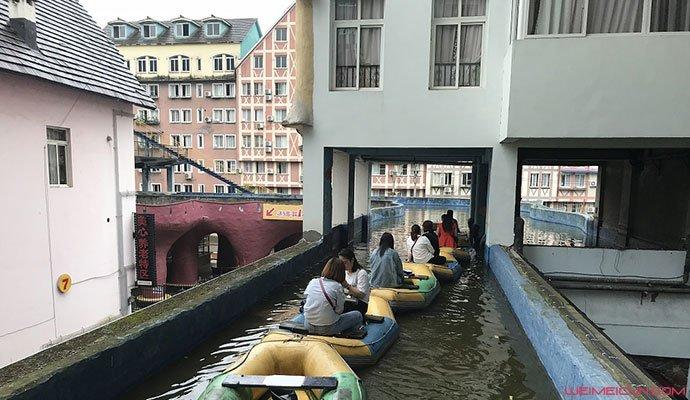 重庆运河穿楼而过