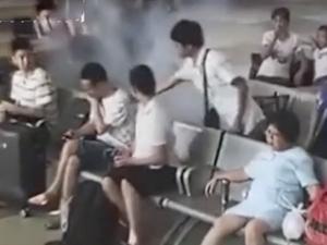 火车站玩手机玩起火 现场经过及画面触目惊心起因是这个