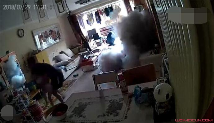 滑板车充电爆炸 事件始末经过曝光爆炸发出巨响引哗然(原创)