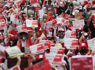 韩女性抗议偷拍原因曝光 为了偷拍竟到处是针孔摄像头令人害怕