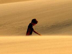 沙漠找到11名儿童 事件详情及背后真相曝光令人气愤又心疼