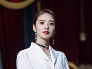 周彩娜扮演者刘烨 演女配戏份多过主角背后