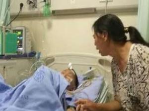 男孩肾被摔成两半 事发经过曝光伤情严重令人担忧