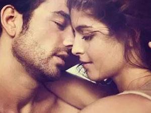男人接吻手喜欢摸那 教你从接吻时男人的手放哪看出他的内心