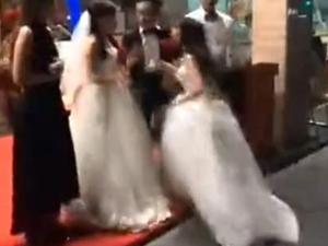 两个新娘婚礼厮打 曝婚礼闹剧详情现场不忍