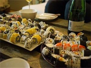 自助餐吃100盘寿司被拉黑 食量惊人老板几近