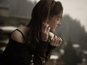 女人寂寞久了会怎么做 空虚寂寞的女人这两样东西容易变大