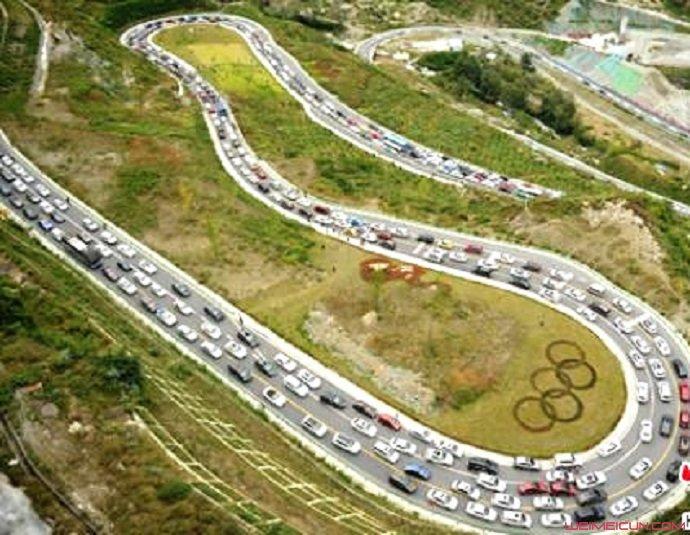 摩托车违法闯高速