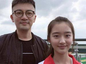 tf家族为什么招邓恩熙 年龄被疑造假不是05
