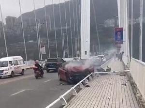 准备吊起坠江公交咋回事 坠江事故女司机案情反转让人惊呆