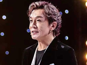 李咏最后一次主持 与赵丽颖同台其敬业程度