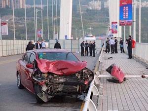 重庆公交坠江原因曝光 我们都不敢相信这样的真相